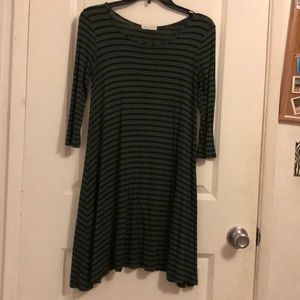 Green and black striped t-shirt dress 🌟